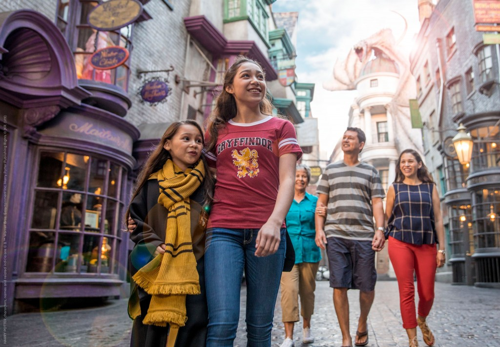 9. Wizarding World Gold_Discounts_The Wizarding World of Harry Potter™ - Diagon Alley™ at Universal Orlando Resort