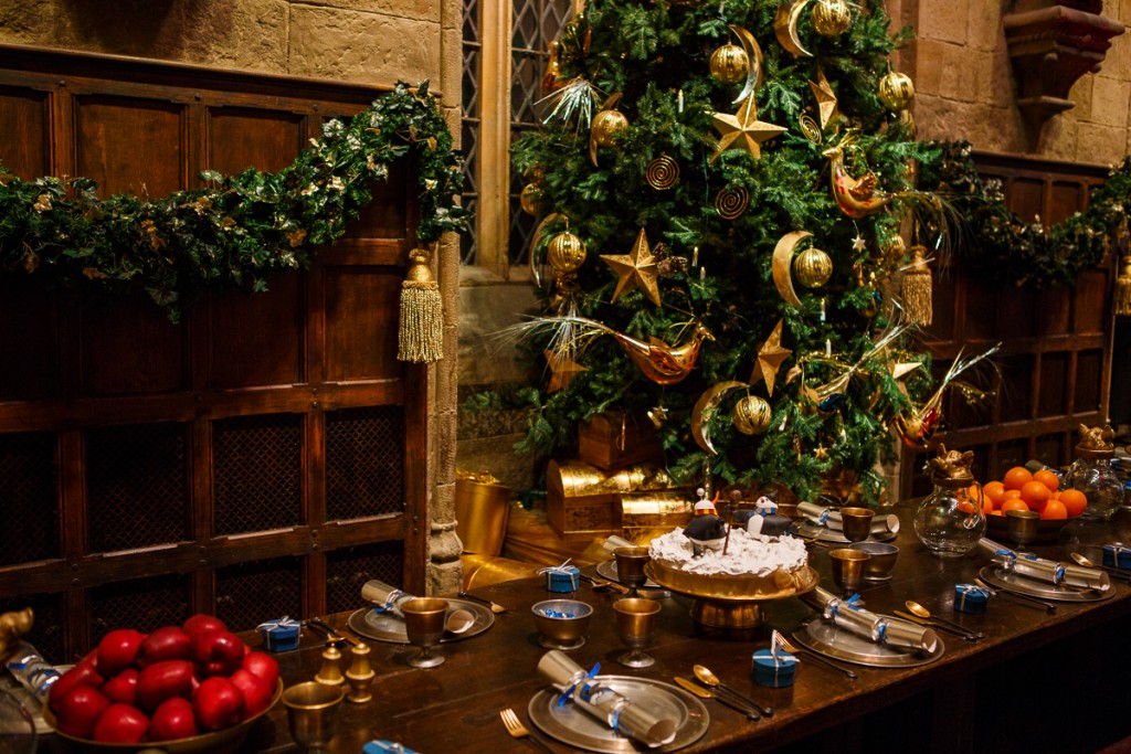 Christmas dress in the Great Hall (6)