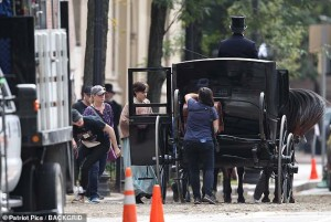 Emmawatsonlittlewomen1carriage