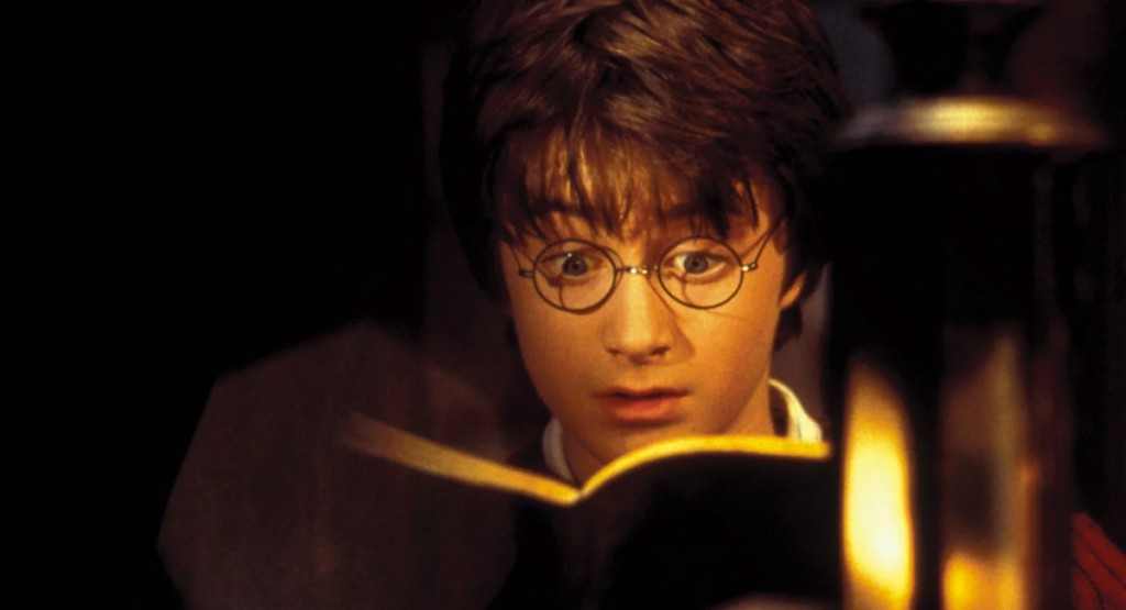 Harry-Potter-reading-book