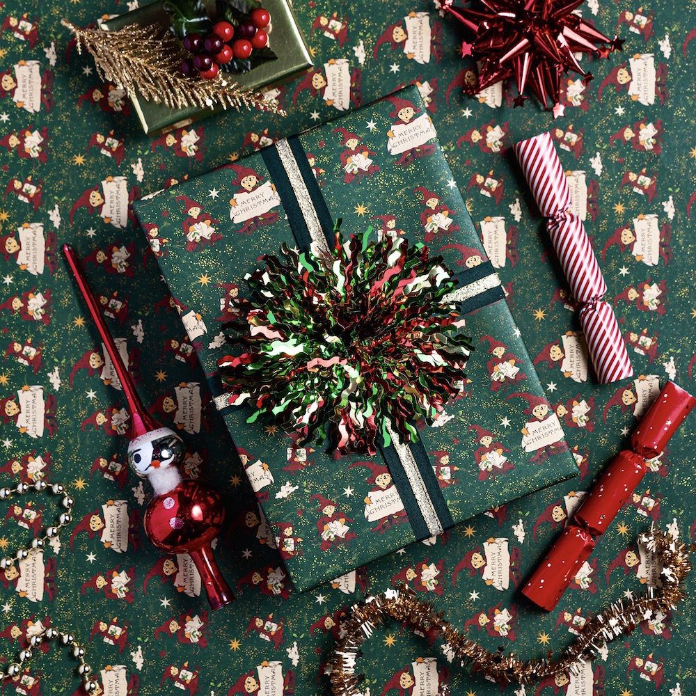 MinaLima_Christmas Elf gift wrap_3