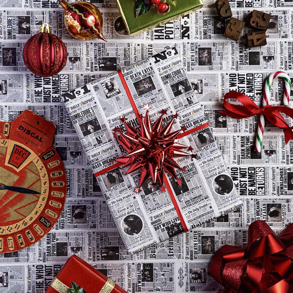 MinaLima_DailyProphet Gift Wrap_3