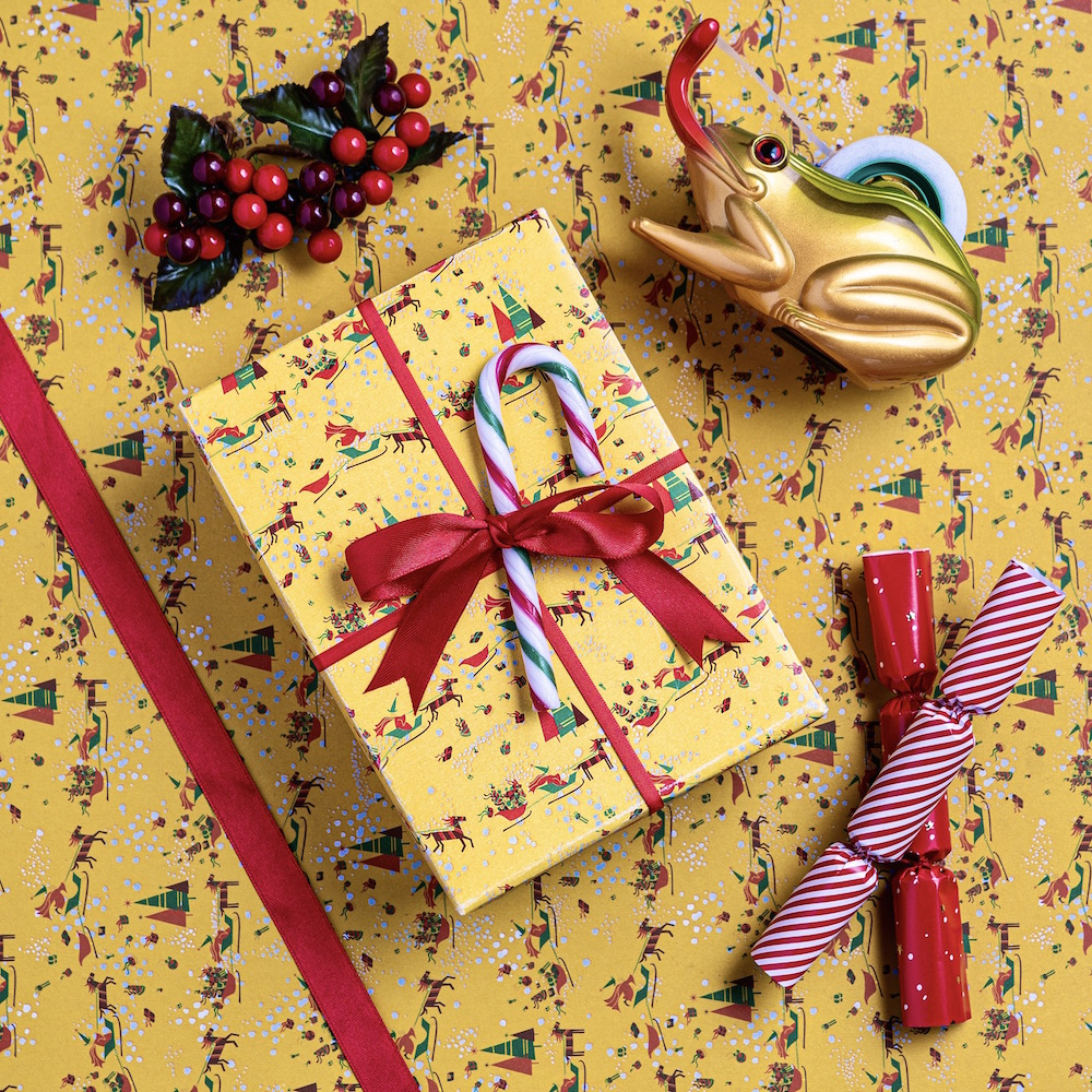 MinaLima_Santas Sleigh Gift Wrap_3