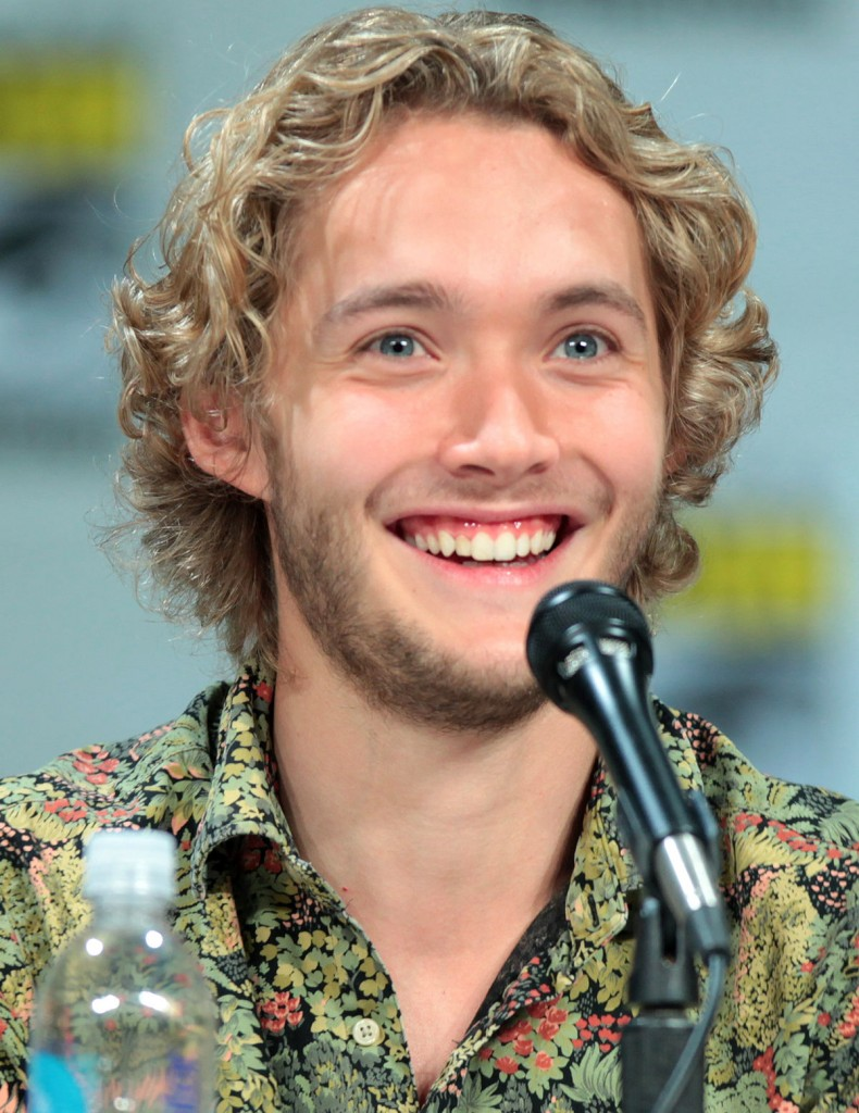 Toby_Regbo_SDCC_2014_(cropped)