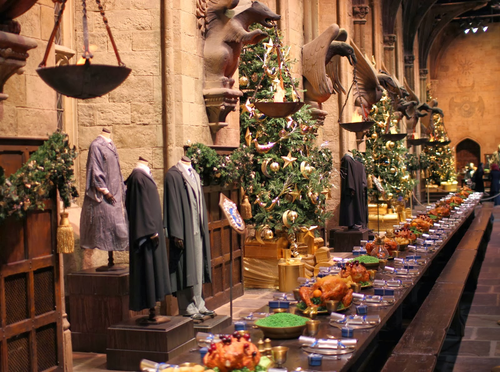 13 College Dining Halls That Look Exactly Like Hogwarts