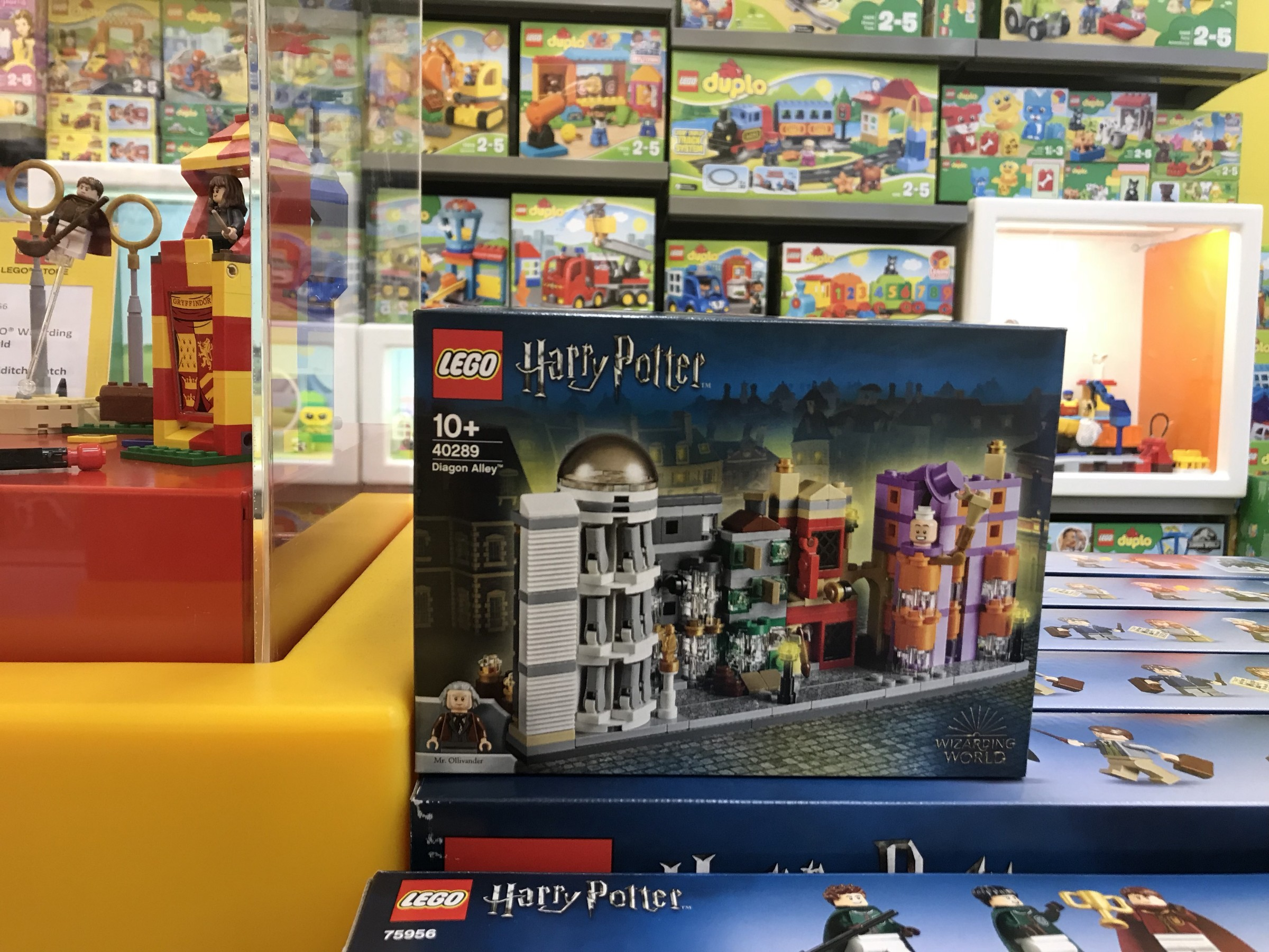 Lego Diagon Alley Set Spotted The Leaky Cauldron Org The