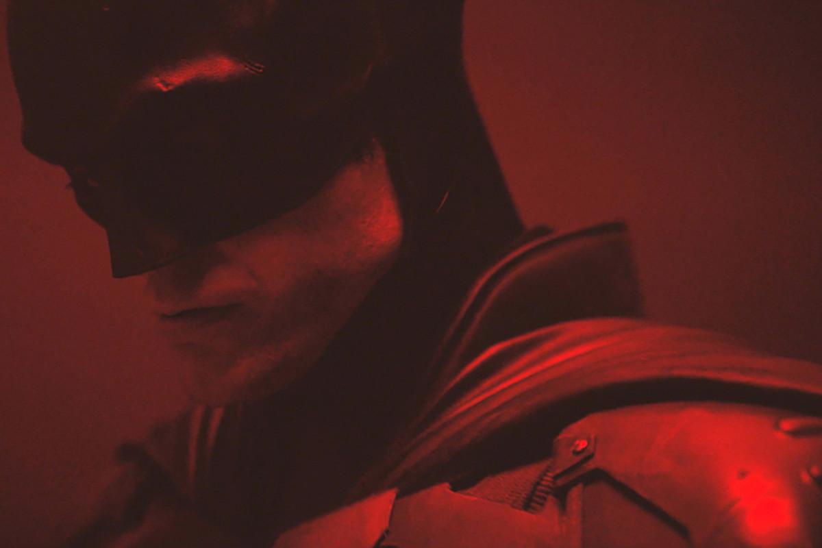 First-Look at Robert Pattinson as The Batman Arrives, Plus ...