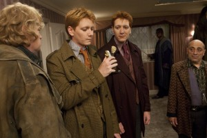 FredGeorgeWeasley_WB_F7_FredGeorgeAboutToDrinkPolyjuicePotion_Still_080615_Land