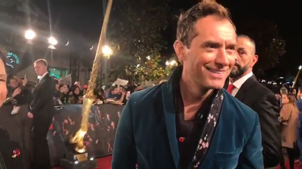 Jude Law at the fantastic beasts: the crimes of grindelwald london premiere - wizarding world