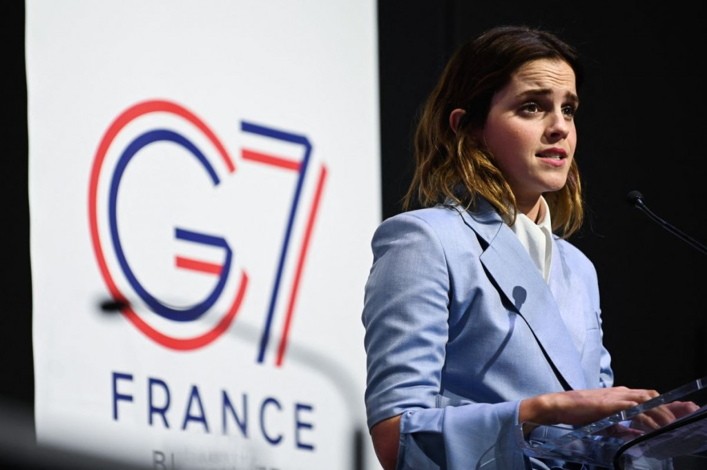 emma-watson-at-g7-equality-meeting-in-paris-1