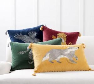 harry-potter8482-hogwarts8482-house-pillows-o